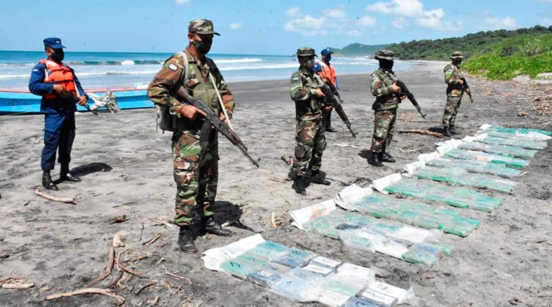 Ejército de Nicaragua incauta 211 paquetes de droga al narcotráfico en Rivas