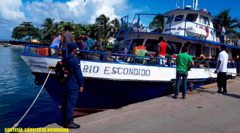 Fuerza Naval durante inspección realizada a embarcaciones