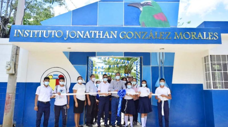 Inauguración de las mejoras del Instituto Jonathan González en El Sauce, León