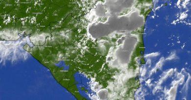 Imagen satelital del territorio nicaragüense bajo la influencia de un fenómeno meteorológico.