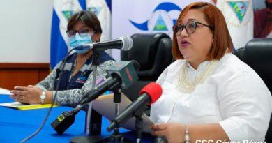 Magistrada Presidenta del CSE, Brenda Rocha junto al la Ministra de Salud, doctora Martha Reyes.
