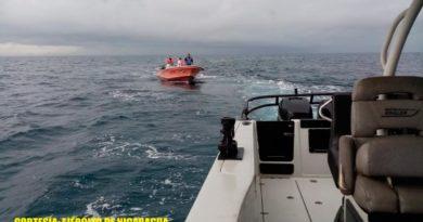 Los tripulantes rescatados son: Myron Junior Downs Forbes de 36 años de edad, Keyling Yolanda Downs Hodgson de 32 años de edad, Edwin Wellington Garth de 27 años de edad y Vander Hodgson de 20 años de edad, todos de nacionalidad nicaragüense.