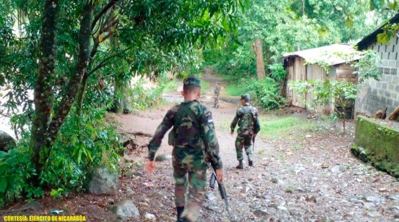 Ejército de Nicaragua apoya en entrega de paquetes alimenticios y avituallamiento