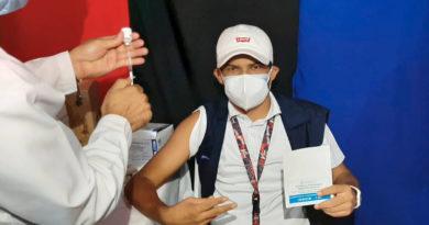 Personas mayores de 30 años reciben vacuna contra el Covid-19 en Carazo