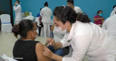 Personal médico del Ministerio de Salud aplican vacuna contra el Covid-19 en Rivas