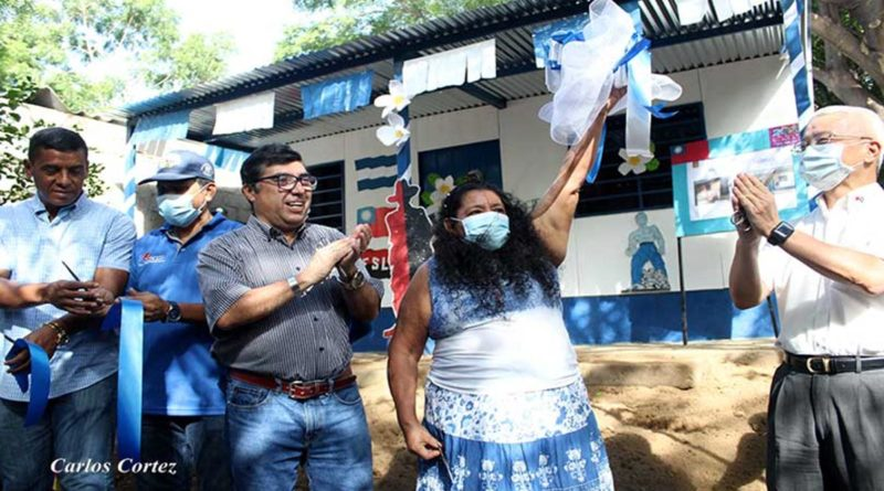 Familia del Barrio Carlos Fonseca en Managua recibe vivienda digna