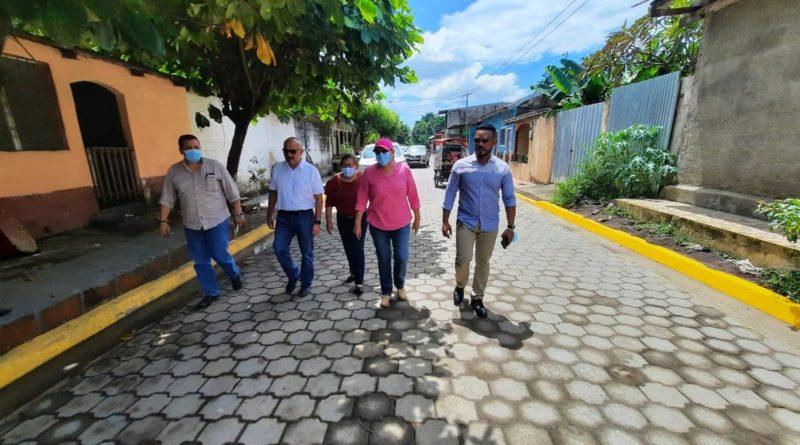 Presidenta Ejecutiva de INIFOM realiza visita por los proyectos realizados en Chinandega