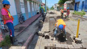 Trabajadores de ENACAL durante las labores realizadas en Moyogalpa