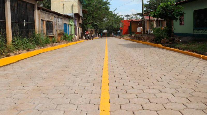 Calles para el Pueblo adoquinadas en Nueva Guinea