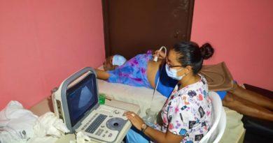 Familias de El Viejo en Chinandega participan en Mega Feria de la Salud