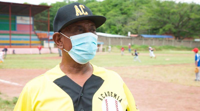 """Julio Reyes, un """"diamante"""" del béisbol nacional"""