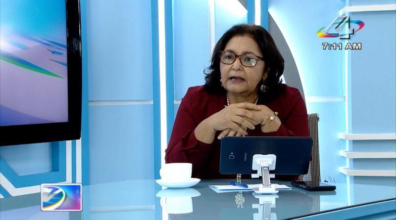 Ministra de Educación, Miriam Raudez en la Revista en Vivo, lunes 18 de octubre de 2021