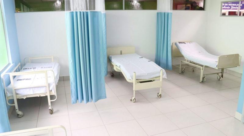 Camillas de la nueva sala de nefrología inaugurada en el Hospital García Laviana